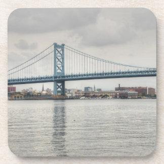 Puente de Ben Franklin Posavasos De Bebida