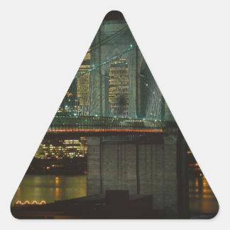 Puente de Brooklyn 1982 Pegatina Triangular