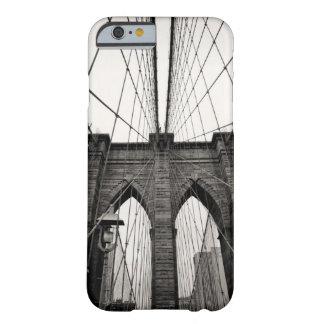 Puente de Brooklyn B&W Funda De iPhone 6 Barely There