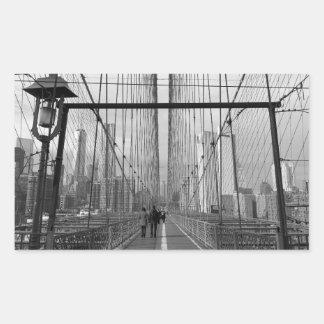 Puente de Brooklyn blanco negro - nr 2 de NY Nueva Pegatina Rectangular