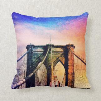 Puente de Brooklyn - colorido - New York City Cojín