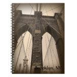 Puente de Brooklyn de la sepia del vintage Libreta