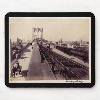 Puente de Brooklyn del vintage Mouse Pads