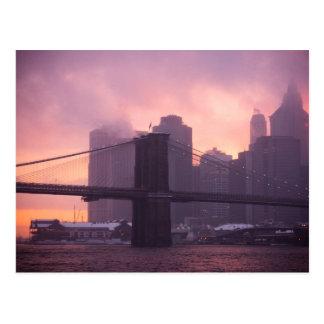 Puente de Brooklyn durante nevada Tarjeta Postal