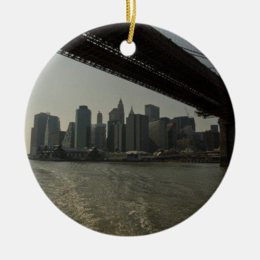 Puente de Brooklyn en barco Adorno De Reyes