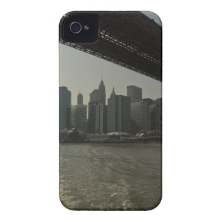 Puente de Brooklyn en barco iPhone 4 Protectores