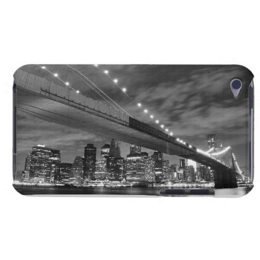 Puente de Brooklyn en la noche, New York City iPod Case-Mate Coberturas