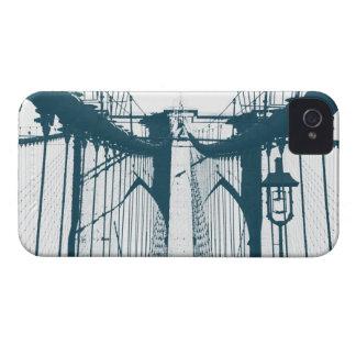Puente de Brooklyn en tonos azules iPhone 4 Coberturas