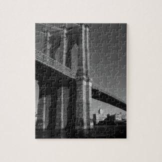 Puente de Brooklyn negro y blanco Puzzle