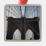 Puente de Brooklyn, Nueva York, NY, los E.E.U.U. 2 Adorno Navideño Cuadrado De Metal