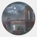 Puente de Brooklyn por claro de luna Etiqueta Redonda