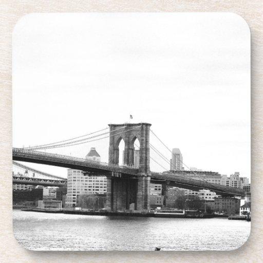 Puente de Brooklyn Posavasos