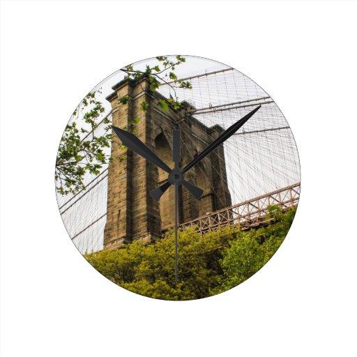 Puente de Brooklyn Reloj Redondo Mediano