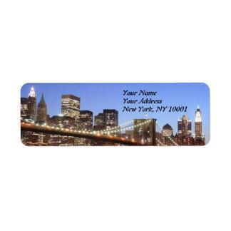 Puente de Brooklyn y horizonte de Manhattan en la  Etiquetas De Remite