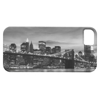 Puente de Brooklyn y horizonte de Manhattan en la Funda Para iPhone 5 Barely There