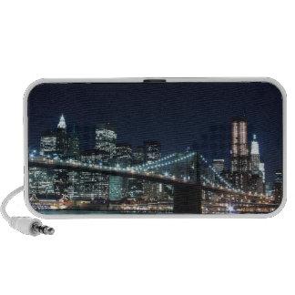 Puente de Brooklyn y horizonte de Manhattan en la  iPhone Altavoz