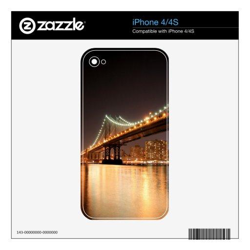 Puente de Brooklyn y horizonte de Manhattan en la  iPhone 4 Skin