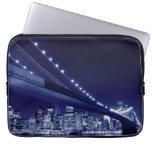 Puente de Brooklyn y horizonte de Manhattan Fundas Computadoras
