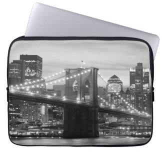 Puente de Brooklyn y horizonte de Manhattan Mangas Portátiles