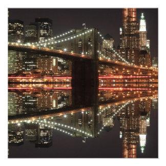Puente de Brooklyn y horizonte de Manhattan Comunicados