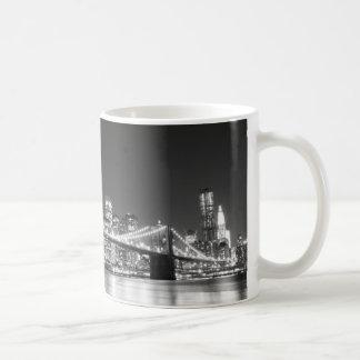 Puente de Brooklyn y horizonte de Manhattan Taza De Café