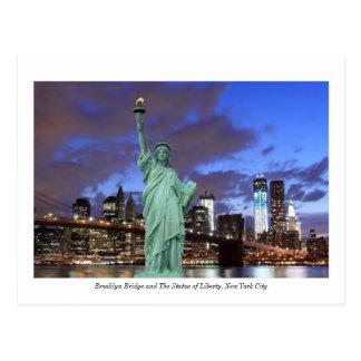 Puente de Brooklyn y la estatua de la libertad en Postal