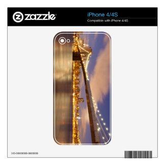 Puente de Brooklyn y Manhattan en la noche Skins Para eliPhone 4S