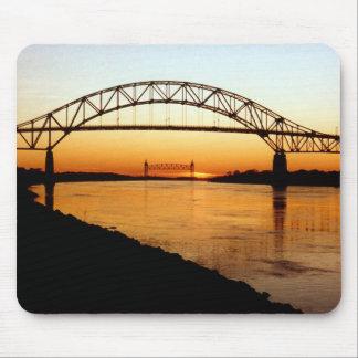 Puente de Cape Cod Bourne Mouse Pads