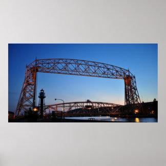 Puente de elevación aéreo Duluth Minnesota Póster