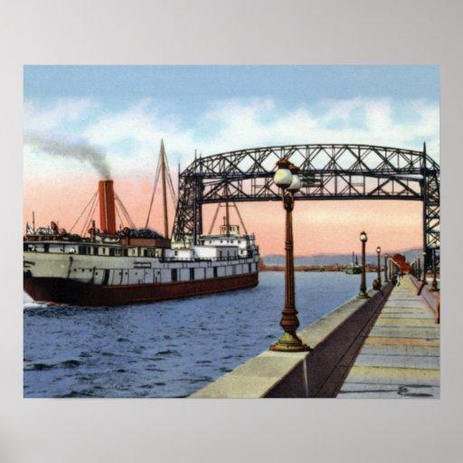 Puente de elevación de Duluth Minnesota Great Lake Póster