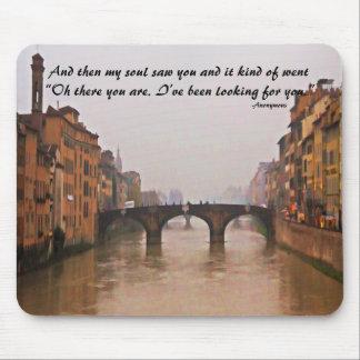 Puente de Florencia con cita del amor Tapetes De Ratones