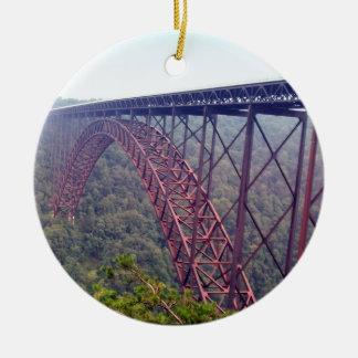 Puente de garganta de nuevo río ornaments para arbol de navidad