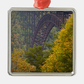Puente de garganta de nuevo río, nueva garganta adorno navideño cuadrado de metal