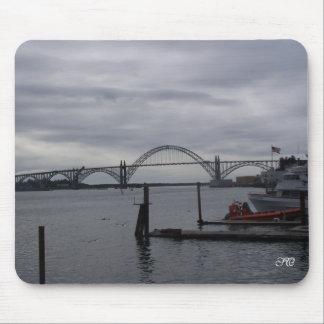 Puente de la bahía de Yaquina Alfombrilla De Ratones