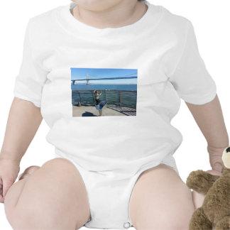 Puente de la bahía trajes de bebé