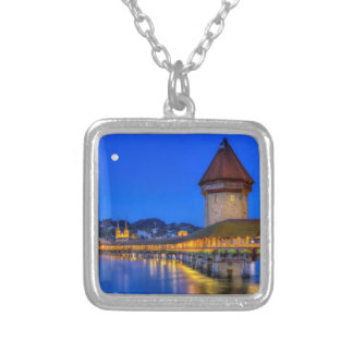 Puente de la capilla, Kapellbrucke, Alfalfa, Suiza Collar Plateado