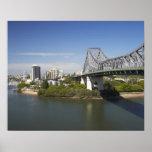 Puente de la historia, río de Brisbane, y canguro Poster