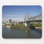 Puente de la historia, río de Brisbane, y canguro Alfombrillas De Ratón