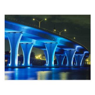 Puente de la noche en el puerto de Miami, la Postal