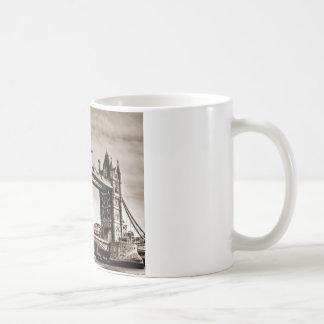 Puente de la torre de Londres de la sepia del Taza Clásica