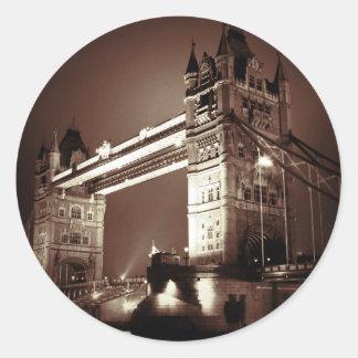 Puente de la torre de Londres en la noche Pegatina Redonda