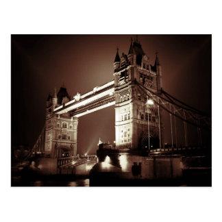 Puente de la torre de Londres en la noche Postales