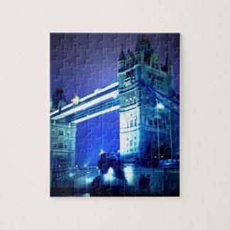 Puente de la torre de Londres y noche azul Puzzle
