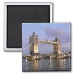 Puente de la torre del imán de Londres