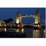 Puente de la torre en la noche escultura fotográfica