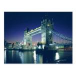Puente de la torre en la oscuridad tarjeta postal