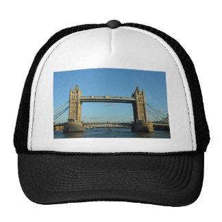 Puente de la torre en Londres sobre el río Támesis Gorro De Camionero
