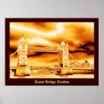 Puente de la torre en oro posters