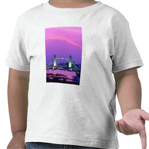Puente de la torre, Londres, Inglaterra 2 Camiseta
