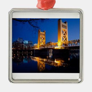 Puente de la torre - Sacramento, CA Adorno Navideño Cuadrado De Metal